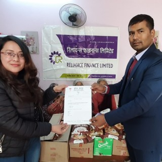 Reliance Finance Limited Imadol Branch distributed Food items to Mudita Sevagriha